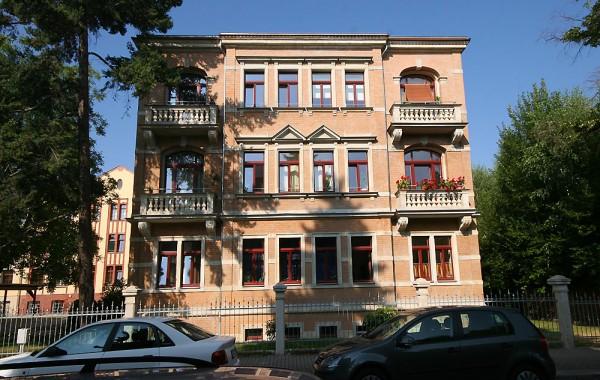 Hölderlinstraße 9